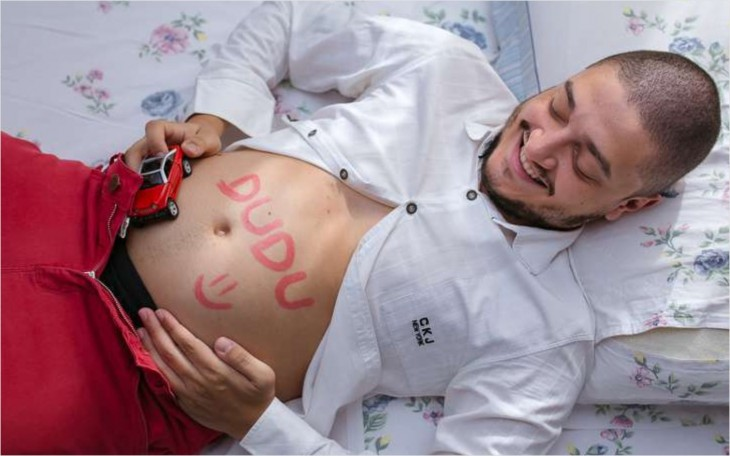 Tem Na Web - Homem faz ensaio grávido e viraliza nas redes sociais; veja como ficou
