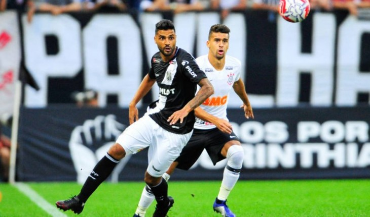 Em Busca De Reforços, Corinthians Contrata Atacante Da