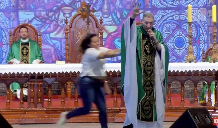 Mulher que empurrou Padre Marcelo ao vivo sofre duro castigo
